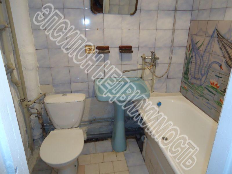 Продам 1-комнатную квартиру в городе Курск, на улице Чернышевского, 72, 2-этаж 9-этажного Кирпич дома, площадь: 40/19/7 м2