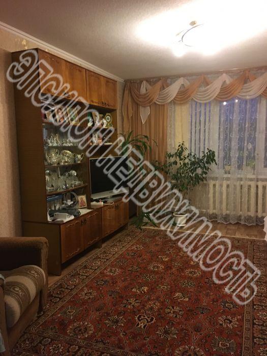 Продам 3-комнатную квартиру в городе Курск, на улице Крюкова, 16а, 8-этаж 9-этажного Панель дома, площадь: 65/38.2/7.6 м2