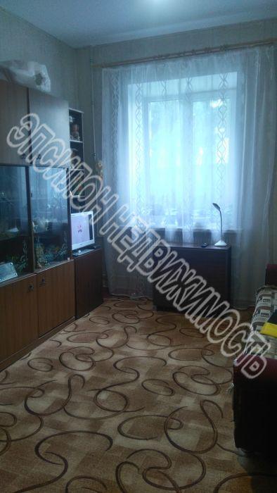 Продам 3-комнатную квартиру в городе Курск, на улице Краснознамённая, 22, 2-этаж 4-этажного Кирпич дома, площадь: 64/40/10 м2