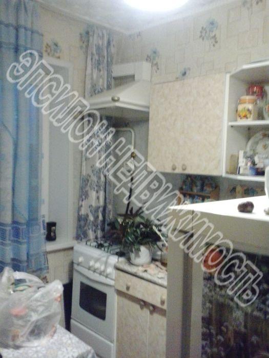 Продам 2-комнатную квартиру в городе Курск, на улице Черняховского, 52, 3-этаж 9-этажного Панель дома, площадь: 46/28.2/7 м2