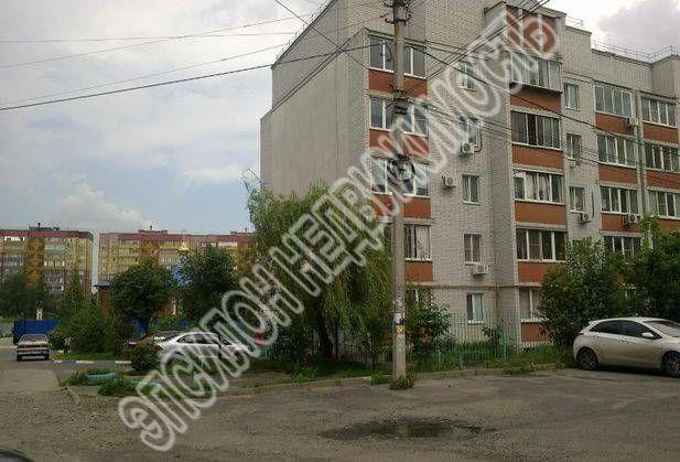 Продам 2-комнатную квартиру в городе Курск, на улице Хрущева пр-т, 22, 5-этаж 5-этажного Кирпич дома, площадь: 62/34.5/11 м2