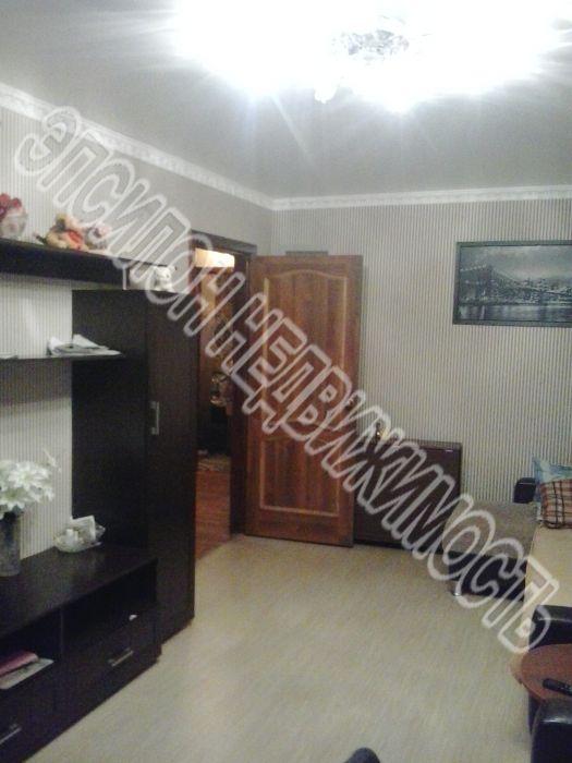 Продам 3-комнатную квартиру в городе Курск, на улице Комарова, 12, 1-этаж 5-этажного Панель дома, площадь: 62/39/6 м2