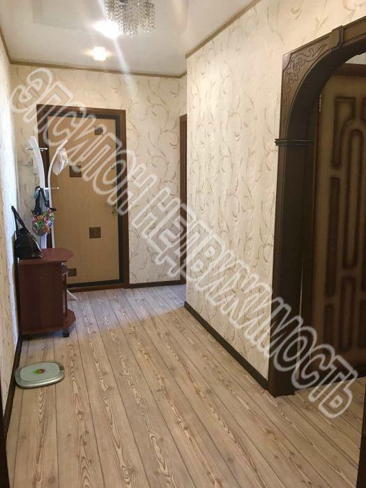 Продам 3-комнатную квартиру в городе Курск, на улице Студенческая, 7, 8-этаж 9-этажного Панель дома, площадь: 61/38/9 м2