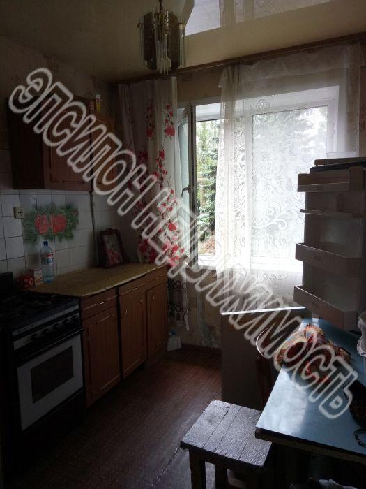 Продам 2-комнатную квартиру в городе Курск, на улице Дружбы пр-т, 3, 1-этаж 9-этажного Панель дома, площадь: 48/28/8 м2