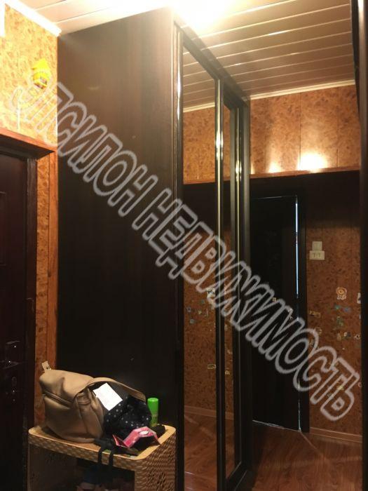 Продам 2-комнатную квартиру в городе Курск, на улице Ленинского Комсомола пр-т, 52, 2-этаж 9-этажного Панель дома, площадь: 46.1/28.3/7 м2
