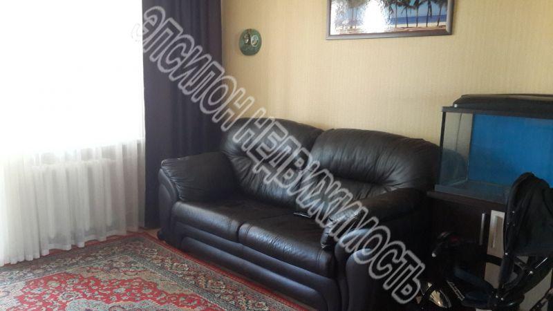 Продам 2-комнатную квартиру в городе Курск, на улице Дзержинского, 65/2, 4-этаж 9-этажного Кирпич дома, площадь: 47/28/8 м2