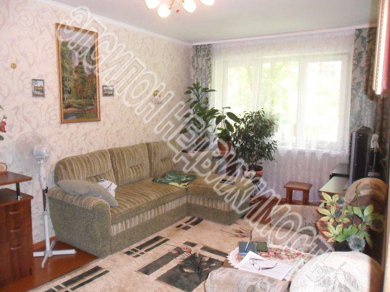 Продам 3-комнатную квартиру в городе Курск, на улице Дейнеки, 40, 1-этаж 5-этажного Панель дома, площадь: 61/40/6 м2