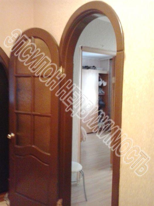 Продам 3-комнатную квартиру в городе Курск, на улице Крюкова, 16, 5-этаж 9-этажного Панель дома, площадь: 61/39/8 м2