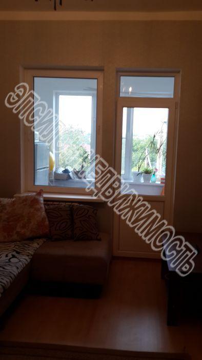 Продам 4-комнатную квартиру в городе Курск, на улице Советская, 44в, 2-этаж 3-этажного Блок дома, площадь: 85/55/10 м2
