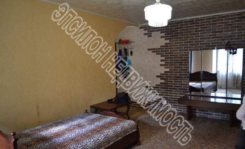 Продам 2 комнат[у,ы] в городе Курск, на улице Рабочая 2-я, 5-этаж 5-этажного Кирпич дома, площадь: 33/33/7 м2