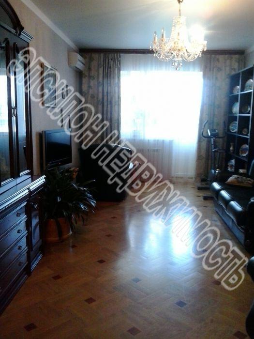 Продам 2-комнатную квартиру в городе Курск, на улице К. Либкнехта, 16а, 7-этаж 9-этажного Монолит дома, площадь: 71/38/12 м2