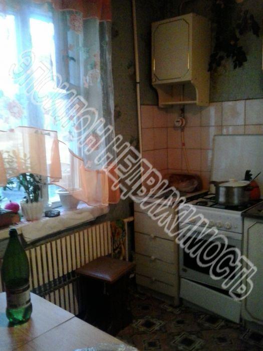 Продам 2-комнатную квартиру в городе Курск, на улице Крюкова, 14а, 1-этаж 9-этажного Панель дома, площадь: 51/29.6/7.8 м2