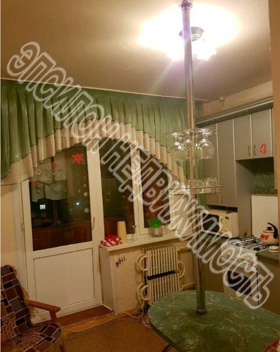 Продам 2-комнатную квартиру в городе Курск, на улице Победы пр-т, 8, 6-этаж 10-этажного Панель дома, площадь: 57.39/29/9 м2