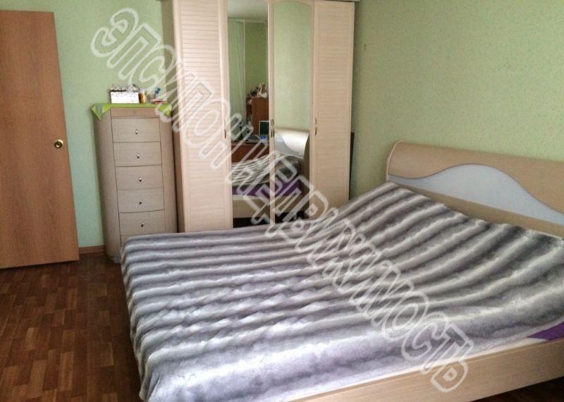 Продам 2-комнатную квартиру в городе Курск, на улице Победы пр-т, 34, 12-этаж 17-этажного Панель дома, площадь: 61.24/33.73/10.97 м2