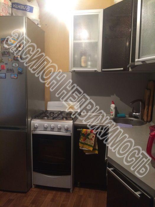 Продам 2-комнатную квартиру в городе Курск, на улице Народная, 2, 1-этаж 5-этажного Панель дома, площадь: 40/27.5/6 м2