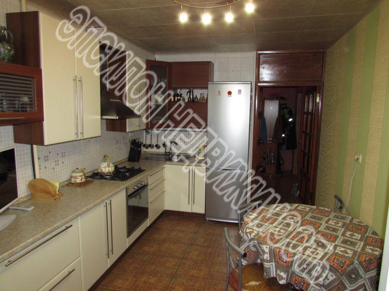 Продам 3-комнатную квартиру в городе Курск, на улице Звездная, 15, 6-этаж 9-этажного Панель дома, площадь: 83.8/45.5/12.1 м2
