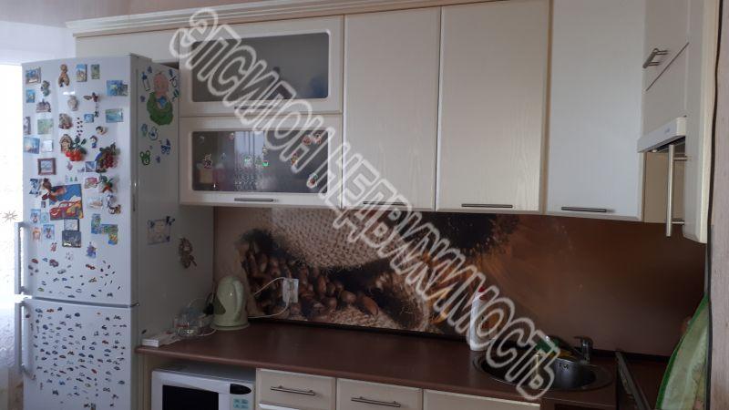 Продам 2-комнатную квартиру в городе Курск, на улице В. Клыкова пр-т, 54, 5-этаж 17-этажного Панель дома, площадь: 59.19/31.7/10.97 м2