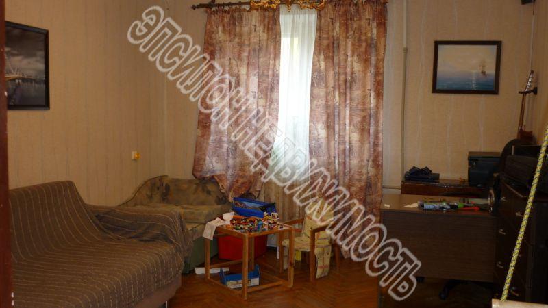 Продам 2-комнатную квартиру в городе Курск, на улице Чернышевского, 12, 1-этаж 5-этажного Кирпич дома, площадь: 44/24.3/11 м2
