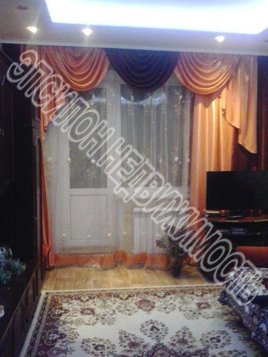 Продам 2-комнатную квартиру в городе Курск, на улице Крюкова, 14а, 2-этаж 9-этажного Панель дома, площадь: 46.5/28.7/7.7 м2