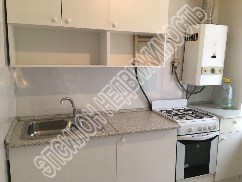 Продам 2-комнатную квартиру в городе Курск, на улице Менделеева, 17, 2-этаж 4-этажного Кирпич дома, площадь: 44/28/6 м2