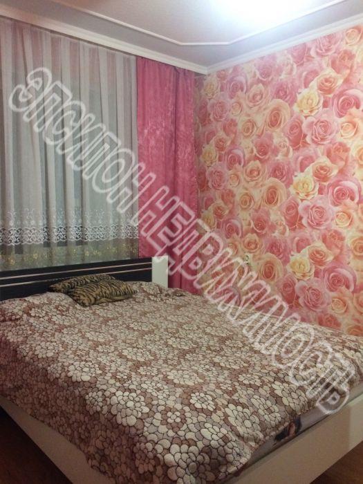 Продам 2-комнатную квартиру в городе Курск, на улице К. Маркса, 72/21, 10-этаж 10-этажного Панель дома, площадь: 50/29/9.3 м2