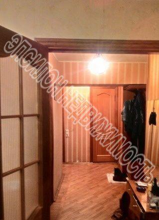 Продам 2-комнатную квартиру в городе Курск, на улице Семеновская, 98, 8-этаж 9-этажного Кирпич дома, площадь: 50/29.7/8 м2