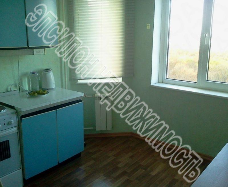 Продам 2-комнатную квартиру в городе Курск, на улице Победы пр-т, 38, 12-этаж 17-этажного Панель дома, площадь: 61.24/33.72/10.97 м2
