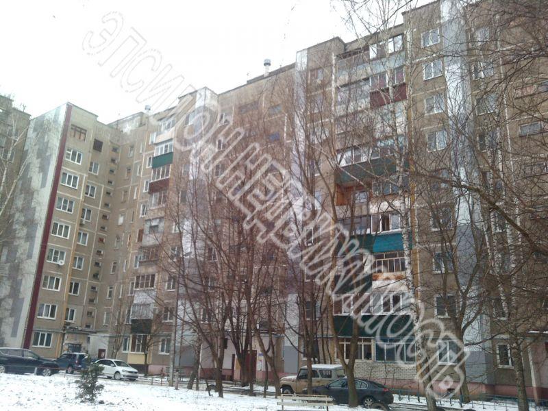 Продам 2-комнатную квартиру в городе Курск, на улице Студенческая, 7, 8-этаж 9-этажного Панель дома, площадь: 46/27/8 м2