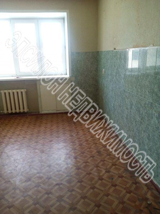 Продам 1-комнатную квартиру в городе Курск, на улице Сторожевая, 6, 4-этаж 5-этажного Кирпич дома, площадь: 35/18/6 м2