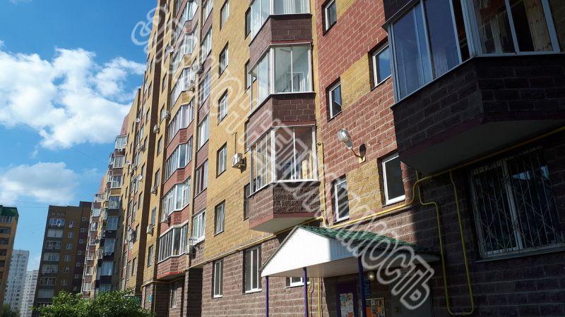Продам 3-комнатную квартиру в городе Курск, на улице Победы пр-т, 2, 2-этаж 10-этажного Монолит дома, площадь: 100/60/20 м2