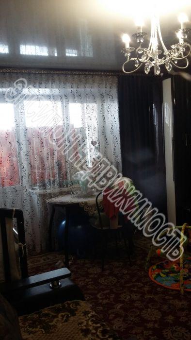 Продам 2-комнатную квартиру в городе Курск, на улице Черняховского, 60, 8-этаж 9-этажного Кирпич дома, площадь: 49.6/30.5/6.9 м2