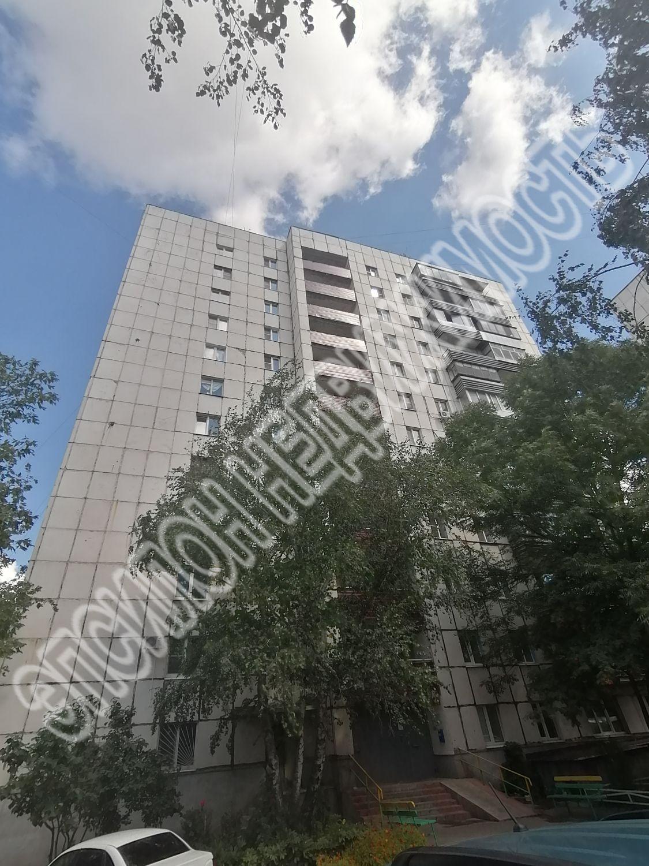 Продам 2-комнатную квартиру в городе Курск, на улице Карла Либкнехта, 4, 9-этаж 12-этажного Кирпич дома, площадь: 45.5/28/8 м2