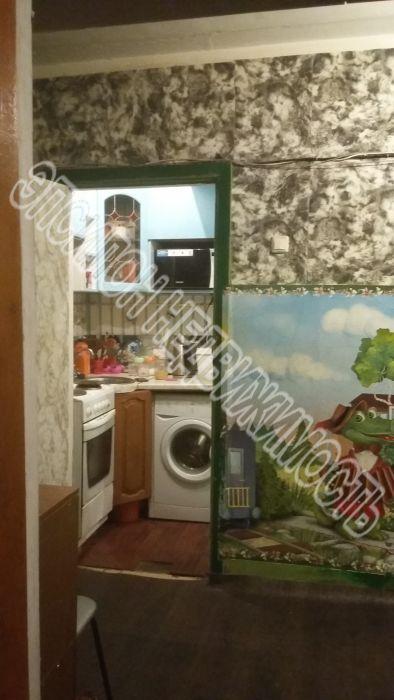 Продам 1 комнат[у,ы] в городе Курск, на улице Союзная, 1-этаж 5-этажного Кирпич дома, площадь: 14/14/4 м2