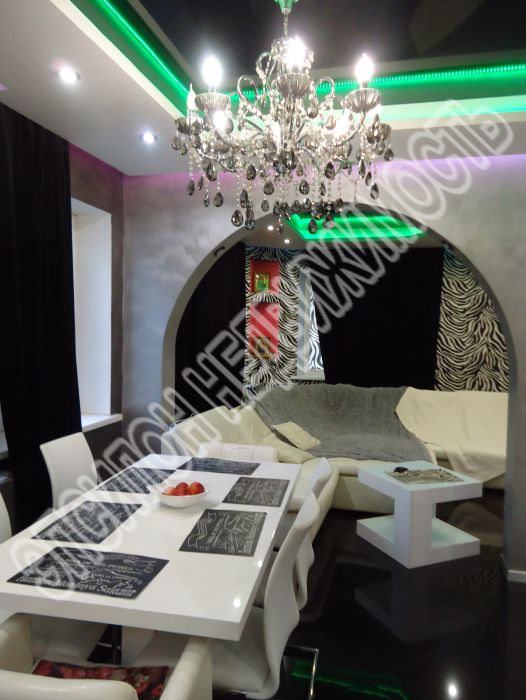 Продам 3-комнатную квартиру в городе Курск, на улице Карла Либкнехта, 20, 3-этаж 9-этажного Кирпич дома, площадь: 112/65/15 м2