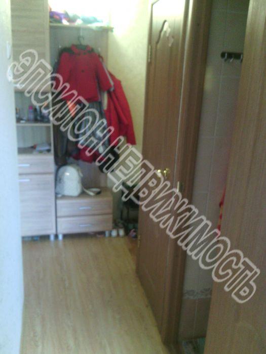 Продам 2-комнатную квартиру в городе Курск, на улице К. Маркса, 61, 3-этаж 5-этажного Панель дома, площадь: 46/29/5 м2