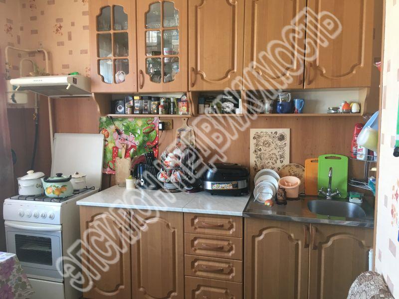 Продам 3-комнатную квартиру в городе Курск, на улице Крюкова, 5а, 10-этаж 10-этажного Панель дома, площадь: 72.5/47.5/9.19 м2