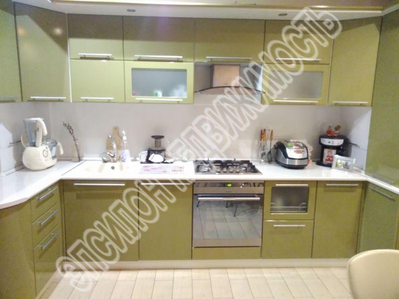 Продам 3-комнатную квартиру в городе Курск, на улице Дружининская, 29, 2-этаж 10-этажного Монолит-кирпич дома, площадь: 90/60/14 м2