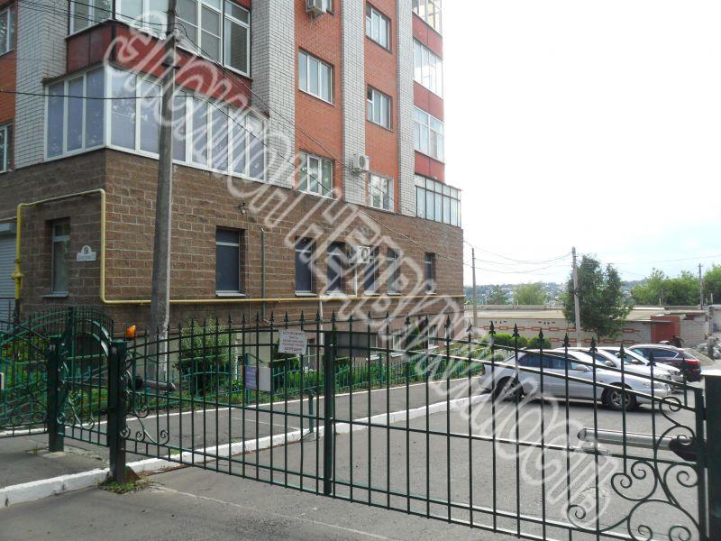 Продам 3-комнатную квартиру в городе Курск, на улице Димитрова, 52, 2-этаж 10-этажного Кирпич дома, площадь: 132/66/14.5 м2