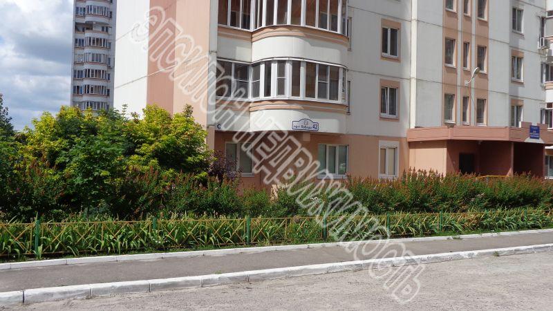 Продам 3-комнатную квартиру в городе Курск, на улице Победы пр-т, 42, 1-этаж 17-этажного Панель дома, площадь: 76.92/48.07/9.77 м2