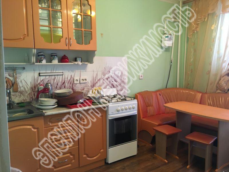 Продам 1-комнатную квартиру в городе Курск, на улице Звездная, 23, 6-этаж 10-этажного Кирпич дома, площадь: 43.9/19/11.5 м2