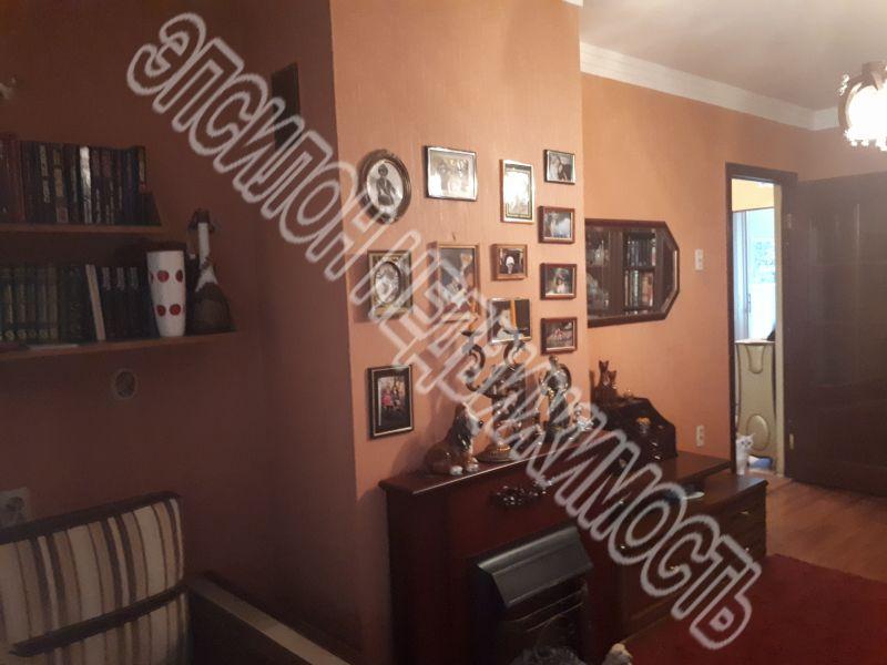 Продам 3-комнатную квартиру в городе Курск, на улице Димитрова, 93, 3-этаж 5-этажного Панель дома, площадь: 61.3/46/6 м2