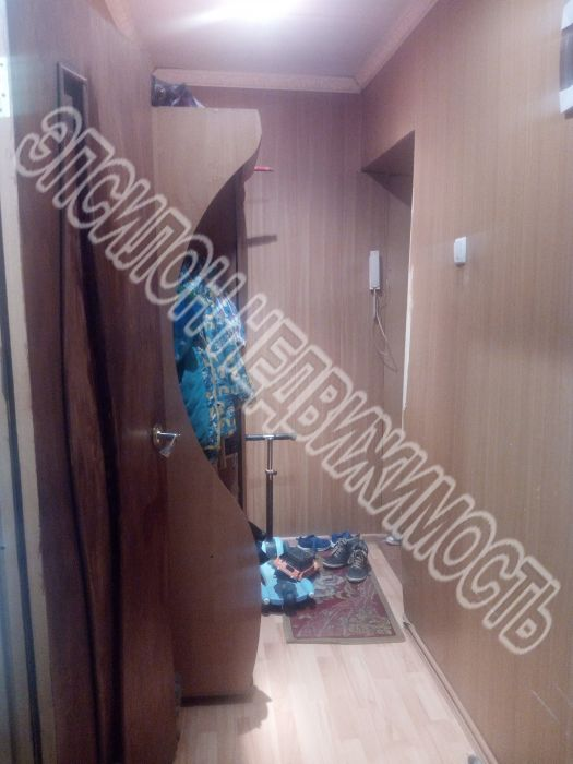 Продам 1-комнатную квартиру в городе Курск, на улице Парковая, 12, 5-этаж 5-этажного Кирпич дома, площадь: 30.4/18/6 м2