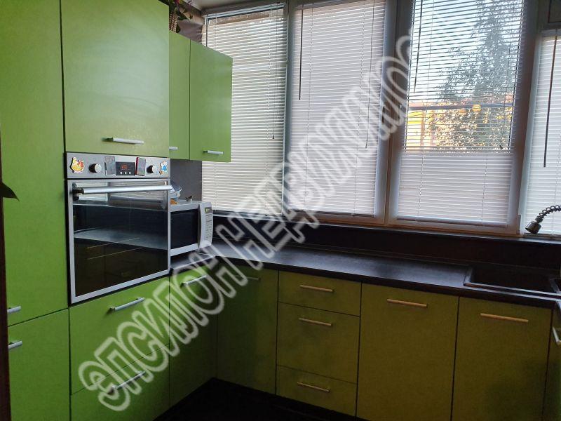 Продам 3-комнатную квартиру в городе Курск, на улице Хрущева пр-т, 22, 1-этаж 5-этажного Кирпич дома, площадь: 68/42/10 м2