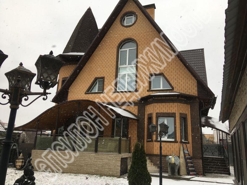 Город: Курск, улица: Суворовская, 84, площадь: 360 м2, участок: 8.5 соток
