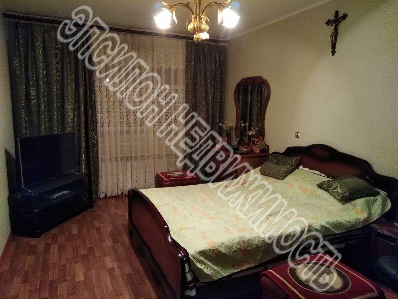 Продам 3-комнатную квартиру в городе Курск, на улице А. Дериглазова пр-т, 71, 1-этаж 17-этажного Панель дома, площадь: 80.88/47.77/9.77 м2