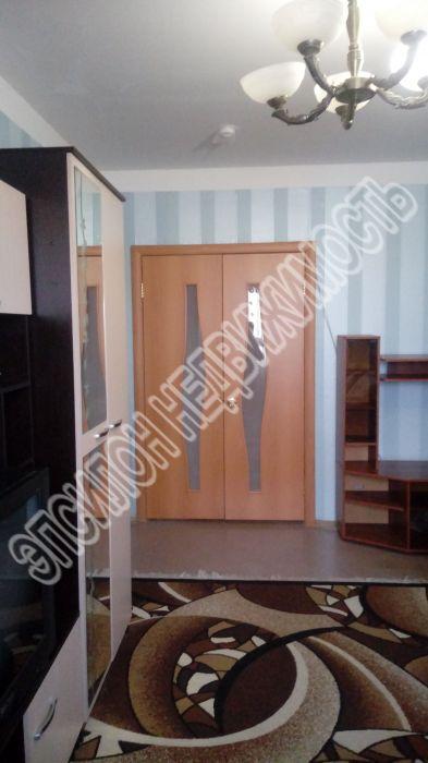 Продам 2-комнатную квартиру в городе Курск, на улице Красной Армии, 59, 8-этаж 10-этажного Кирпич дома, площадь: 54.5/30/8 м2