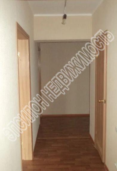 Продам 2-комнатную квартиру в городе Курск, на улице А. Дериглазова пр-т, 79, 1-этаж 17-этажного Панель дома, площадь: 56.62/33.72/9.18 м2
