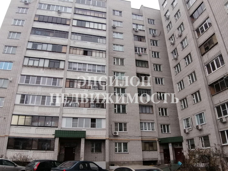 Продам 4-комнатную квартиру в городе Курск, на улице Серегина, 22б, 2-этаж 10-этажного Кирпич дома, площадь: 107/73.5/10 м2