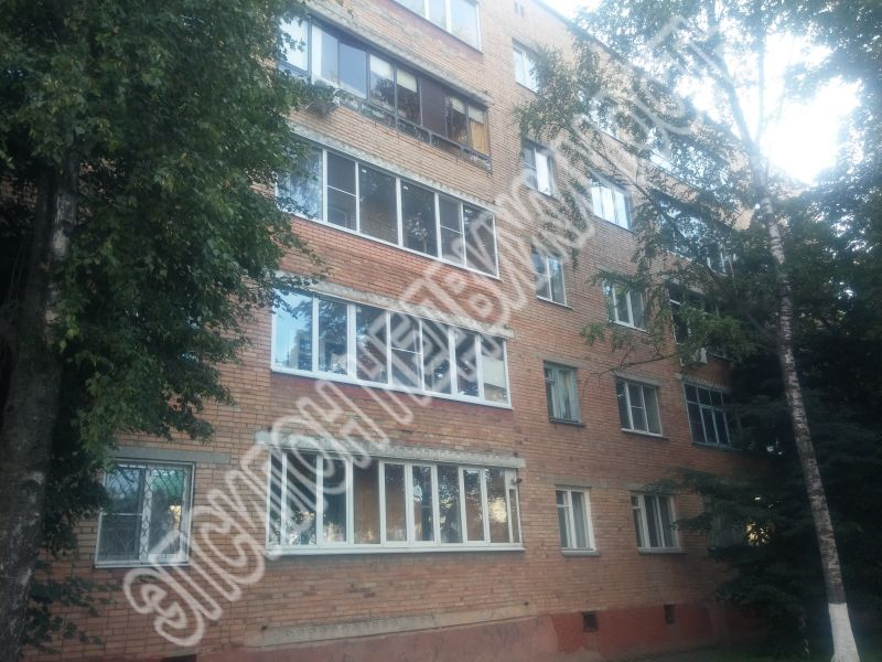 Продам 4-комнатную квартиру в городе Курск, на улице Радищева, 82, 2-этаж 5-этажного Кирпич дома, площадь: 79.09/54/10 м2