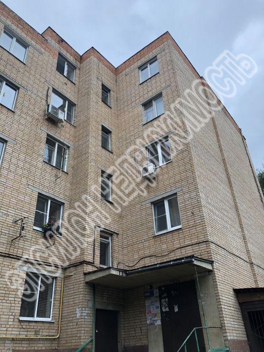Продам 4-комнатную квартиру в городе Курск, на улице Чумаковская, 3, 1-этаж 5-этажного Кирпич дома, площадь: 76.6/55/9 м2